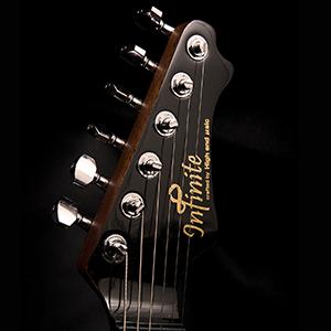 Infinite -インフィニット- ギターフォルム写真